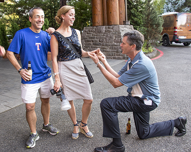 Photographer proposed to by stranger during photo shoot