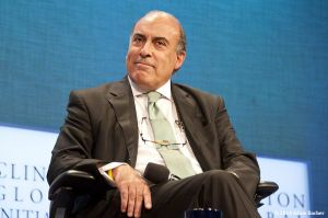 c9-Muhtar_Kent_CEO_Cocl-Cola_r_portrait_photographs.jpg